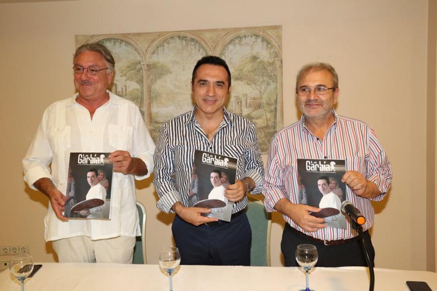 Cultura Cultura El pintor Antonio Montiel, portada de la revista cultural La Garbía