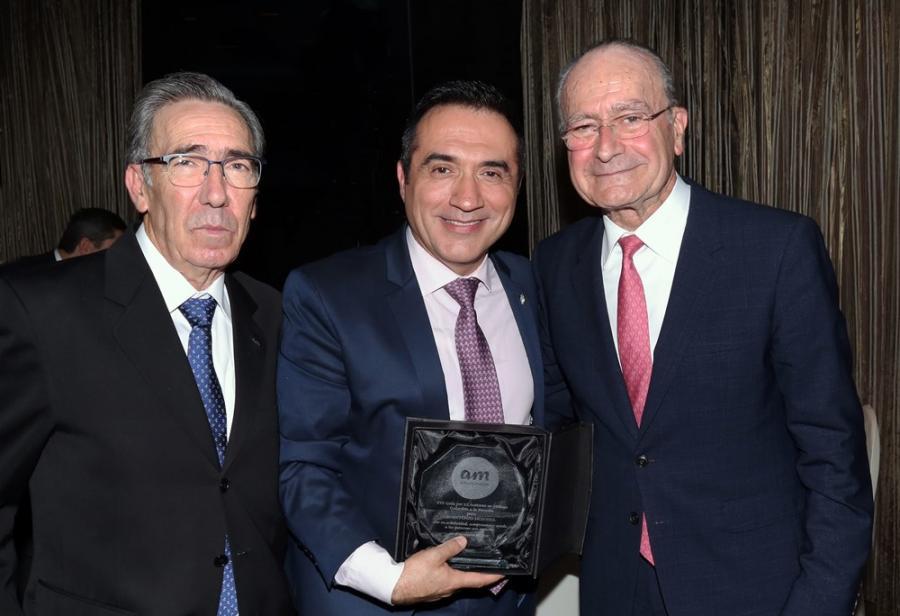 Cultura Cultura El pintor Antonio Montiel galardonado por la Asociación de Autismo de Málaga por su labor solidaria de apoyo