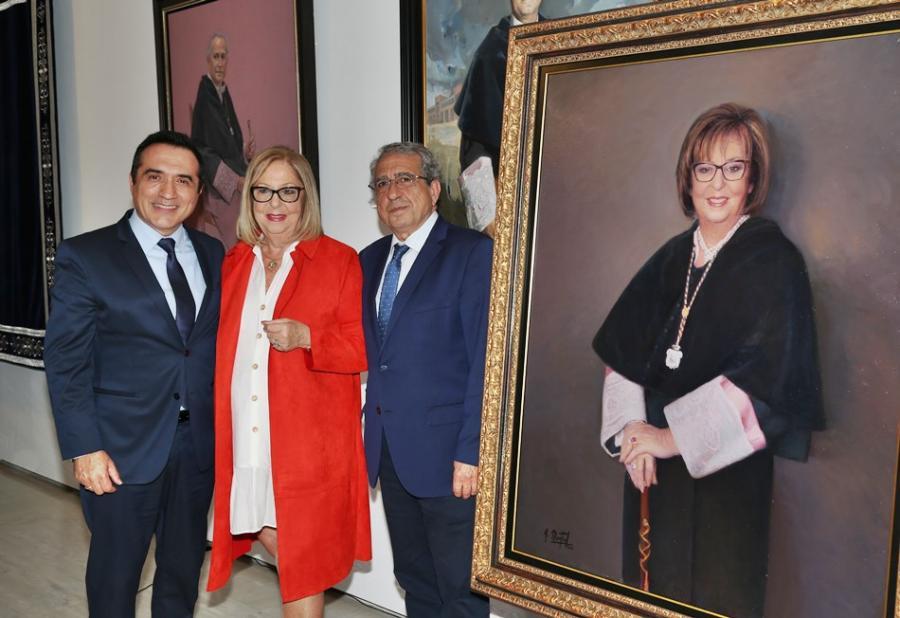 Cultura Cultura Adelaida de la Calle retratada por el pintor Antonio Montiel para la galería de rectores de la Universidad de Málaga