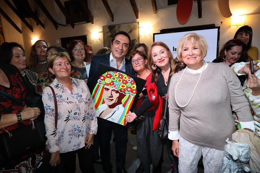 """Cultura Cultura Los """"lunares de Málaga"""" triunfan con el pintor Antonio Montiel"""