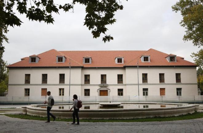Actualidad Actualidad Manuela Carmena renuncia a su plan para el Palacio de los Vargas en la Casa de Campo tras las críticas