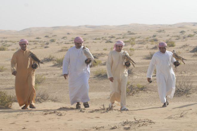 Actualidad Actualidad Los príncipes de los Emiratos, locos por los halcones españoles