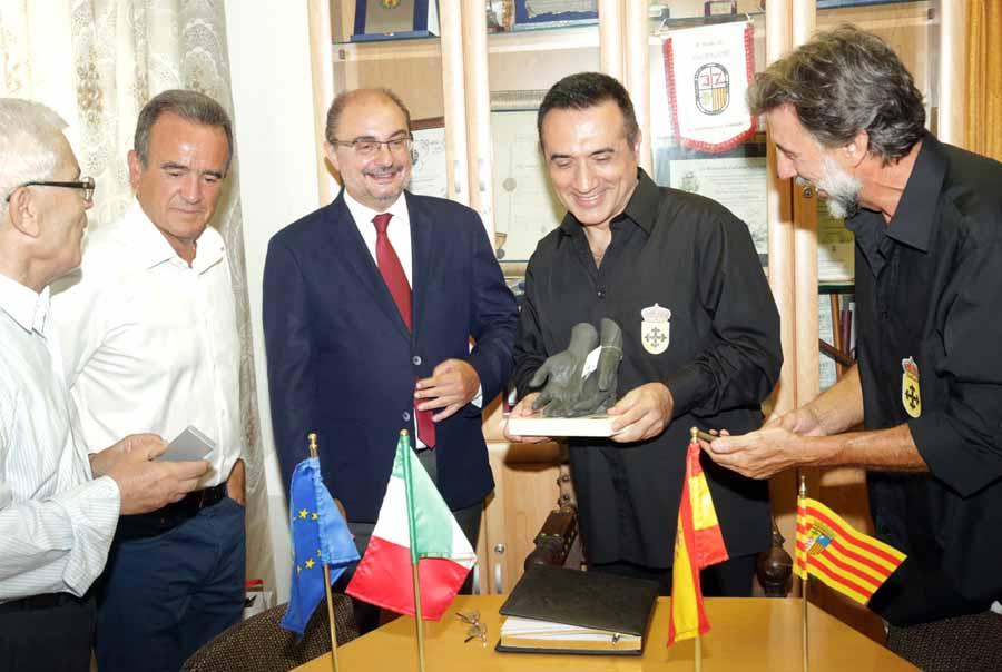"""Cultura Cultura Homenaje al pintor malagueño Antonio Montiel en Aragón con el premio """"Trevillano"""" de Villafeliche"""