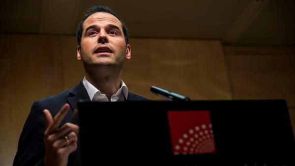 Actualidad Actualidad El PP intenta negociar con Ciudadanos para salvar Madrid