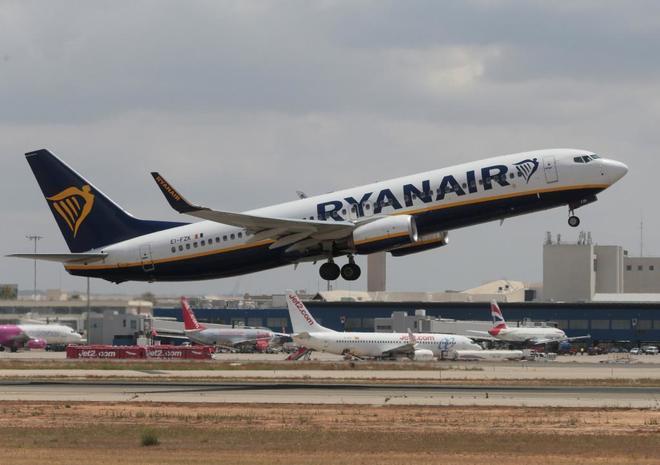 """Actualidad Actualidad Ryanair amenaza con """"pérdidas de puestos de trabajo"""" si continúan las huelgas"""
